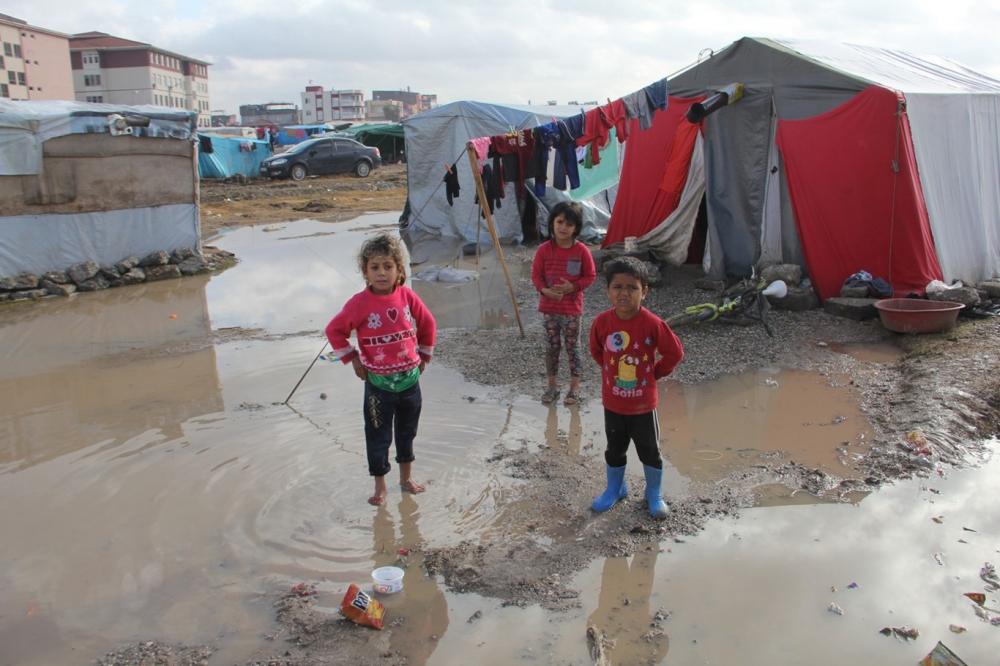 Suriyelilerin çamur içerisinde yaşam mücadelesi galerisi resim 2