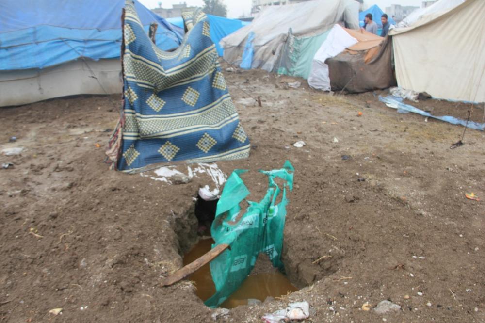 Suriyelilerin çamur içerisinde yaşam mücadelesi galerisi resim 3