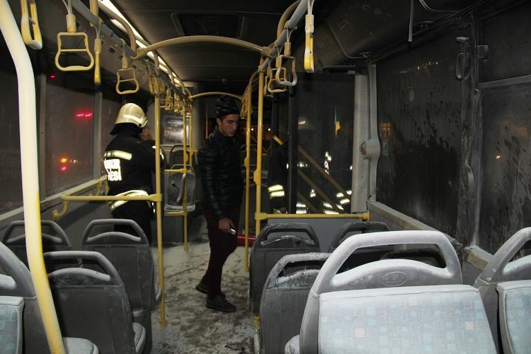 Belediye otobüsü ateşe verildi galerisi resim 9