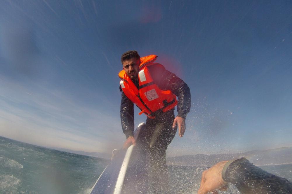 Mültecileri taşıyan teknenin batma anının görüntüleri galerisi resim 4