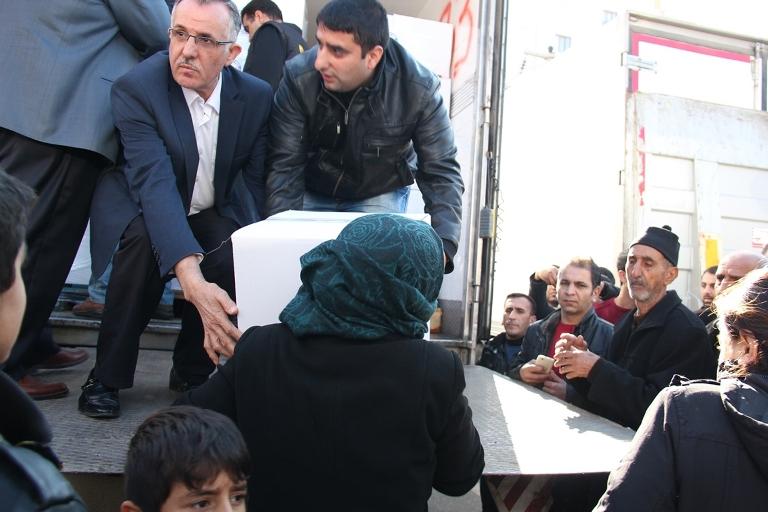 Sur halkına yardım eden İslami STK'lara destek galerisi resim 2
