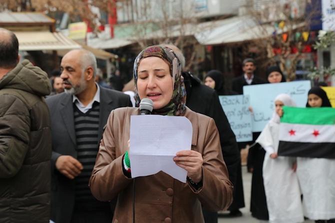 Türkiyede'ki Suriyeliler Rusya'yı protesto etti! galerisi resim 1
