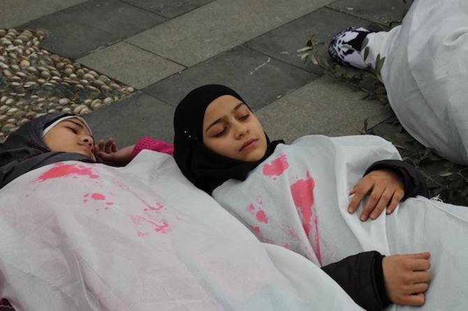 Türkiyede'ki Suriyeliler Rusya'yı protesto etti! galerisi resim 2