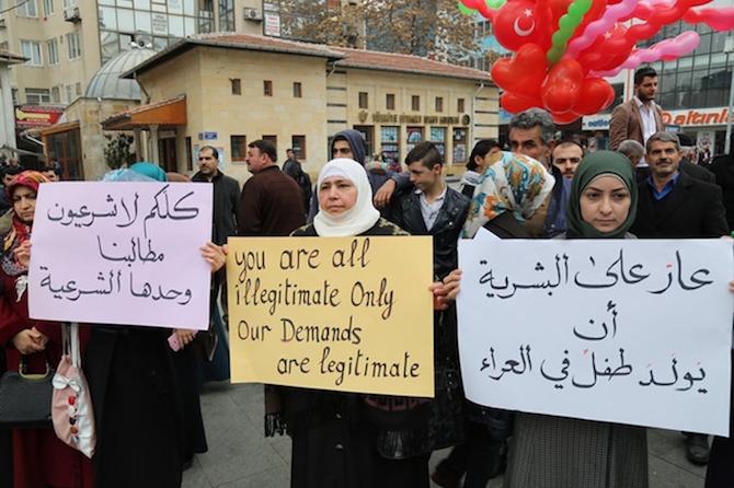 Türkiyede'ki Suriyeliler Rusya'yı protesto etti! galerisi resim 5