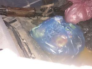 Diyarbakır'da 500 kilo patlayıcı terkedilmiş araçta ele geçirildi