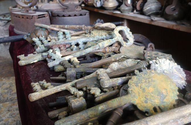 Antikacı ustasının müzeyi andıran sergisi galerisi resim 3