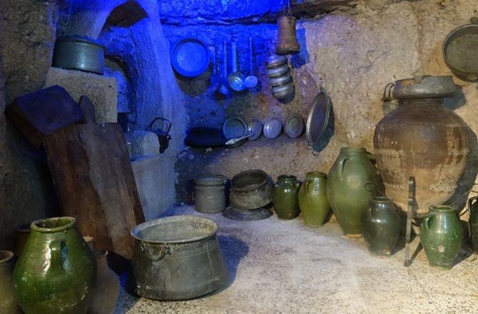 Antikacı ustasının müzeyi andıran sergisi galerisi resim 4