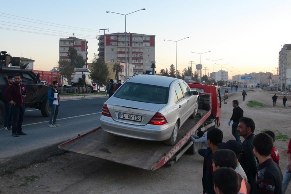 Şüpheli araçtan bomba çıktı galerisi resim 2