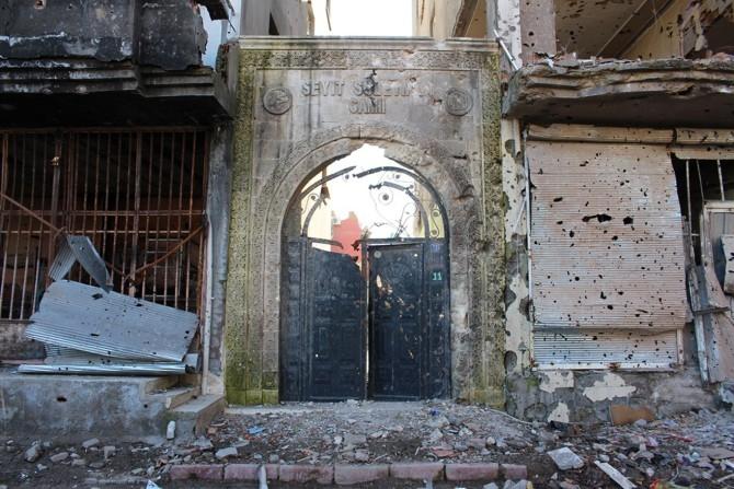 PKK Camilerin zarar görmesine sebep oldu galerisi resim 13