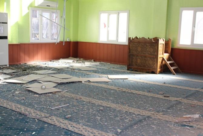 PKK Camilerin zarar görmesine sebep oldu galerisi resim 2