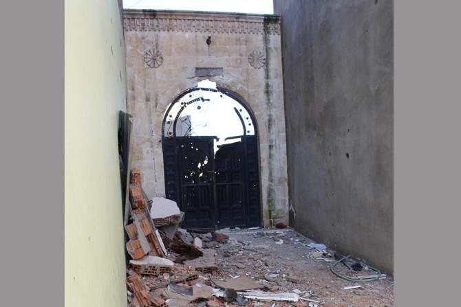 PKK Camilerin zarar görmesine sebep oldu galerisi resim 5