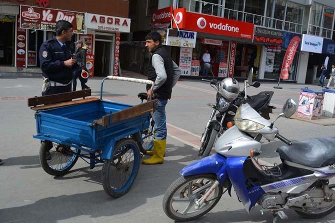Sen misin kaldırımda bisiklet kullanan? galerisi resim 11