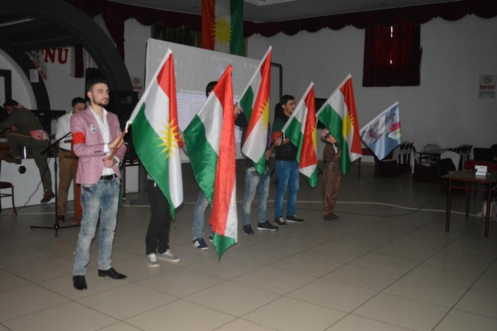 Bucak, Kürtler mücadele ederek başarı elde edebilirler galerisi resim 2