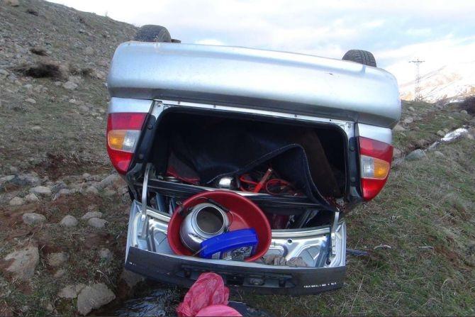 Araç şarampole yuvarlandı: 8 yaralı galerisi resim 1