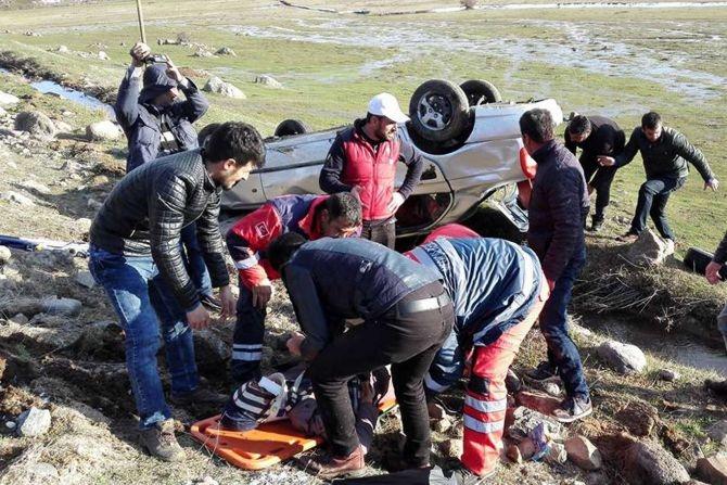 Araç şarampole yuvarlandı: 8 yaralı galerisi resim 5