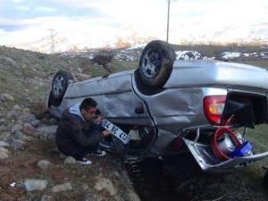 Araç şarampole yuvarlandı: 8 yaralı