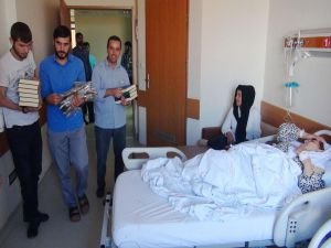 Kur'an-ı Kerim ve seccade hediye edildi
