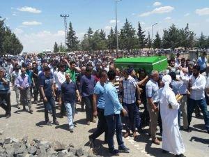 Feci kazada hayatını kaybeden 10 kişi toprağa verildi