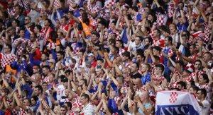 Hırvat taraftarlar'dan büyük saygısızlık! İstiklal Marşımızı yuhaladılar