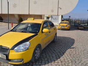 Taksicilerden zorunlu trafik sigortasına tepki