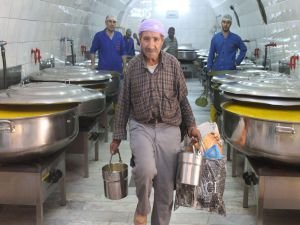 Günlük 10 bin kişilik yemek dağıtılıyor