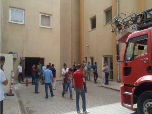 Kozluk devlet hastanesinde çıkan yangın paniğe neden oldu