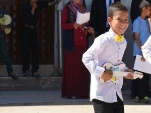 Üzerine elektrik teli düşen çocuk hayatını kaybetti