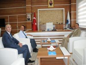 Başsavcı Kasım Tüten ve Hakim Çoban'dan Rektör Uluçam'a veda ziyareti