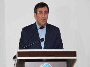 """Cevdet YIımaz: """"Esed rejimi ayakta kalsın diye Kürt gençleri ölüme gönderiliyor"""""""