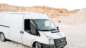 Ergani'de bomba yüklü minibüs bulundu