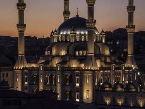 Kırıkkale Nur Camii'ne aydınlatma ödülü