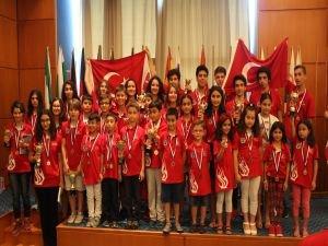 Satrançta Türkiye'ye madalya yağmuru