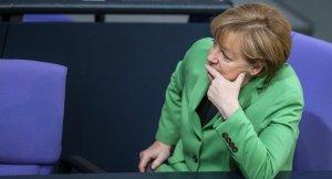 Merkel'den Türkiye'ye askerlerimizin ziyaretine olanak sağlansın