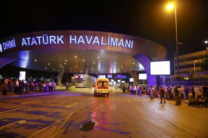 Atatürk Havalimanı'nda şiddetli patlama ayrıntıları