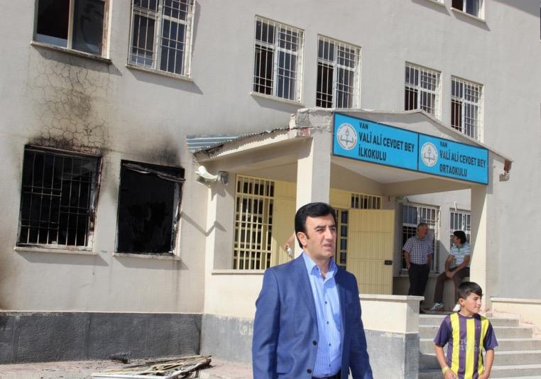 Bir okul'a daha bombalı saldırı