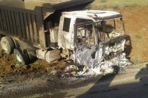 PKK'nın icraatı yakıp yıkmak! İş makineleri yaktılar