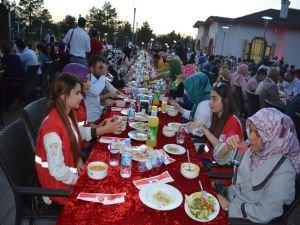 Kızılay'dan kan bağışlayanlara iftar