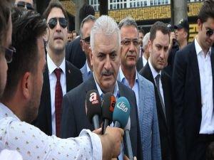 Başbakan Yıldırım, basın mensuplarına açıklamalarda bulundu