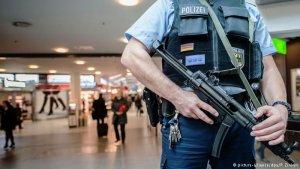 Artan teröre karşı Almanya havaalanlarında güvenliği artırıyor