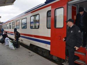 Tren bilet fiyatlarına yapılan zamma tepki