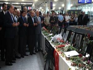 Cumhurbaşkanı Erdoğan Atatürk Havalimanı'nda