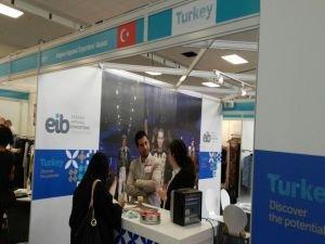 Londra'da Türk konfeksiyon ürünlerine yoğun ilgi