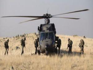 Çukurca'da Askeri üsse saldırı: 3 asker yaralandı