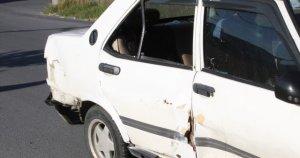 Otomobil motosiklete çarptı, 1 yaralı