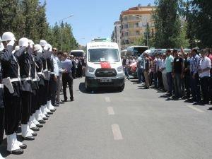Şanlıurfa'da yaşamını yitiren polisler memleketlerine uğurlandı