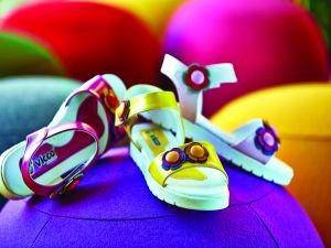 Çocuklara yazlık ayakkabı seçimine dikkat!