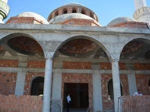 Cami inşaatı yarım kaldı