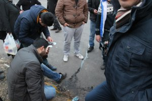 Diyarbakır'da ikii aracın karıştığı kazada 2 yaralı