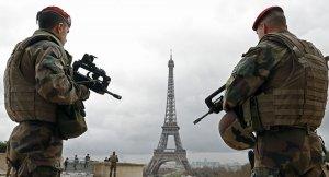 Paris'te polis ve jandarma alarmda