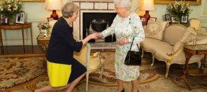 İngiltere'nin yeni Başbakanı görevinin başına geçti
